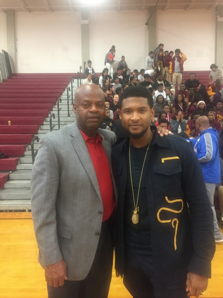 Warren with Chattanooga's own Usher Raymond