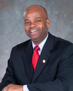 Warren  Mackey