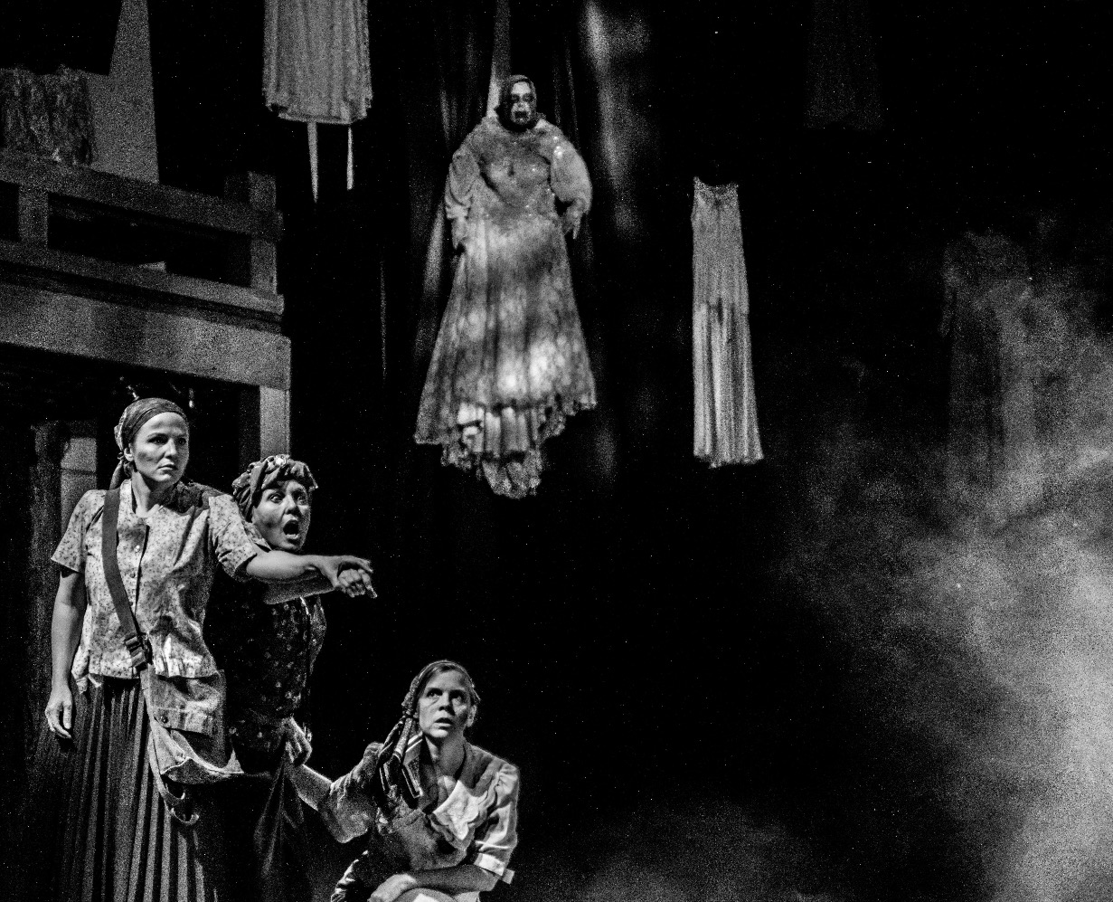Witch 1- Macbeth
