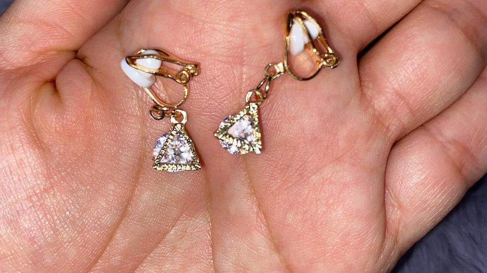 Triangle diamond clip on