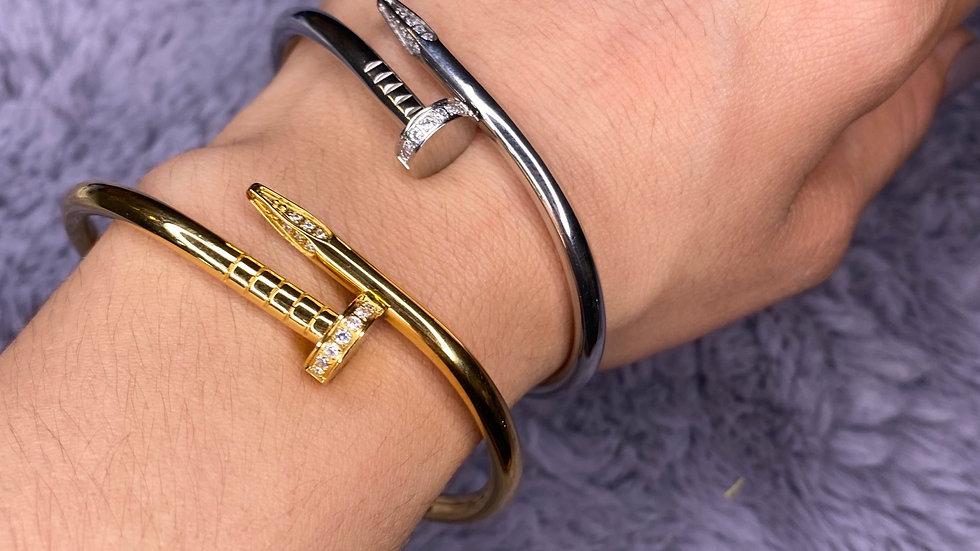 Screwed up bracelet