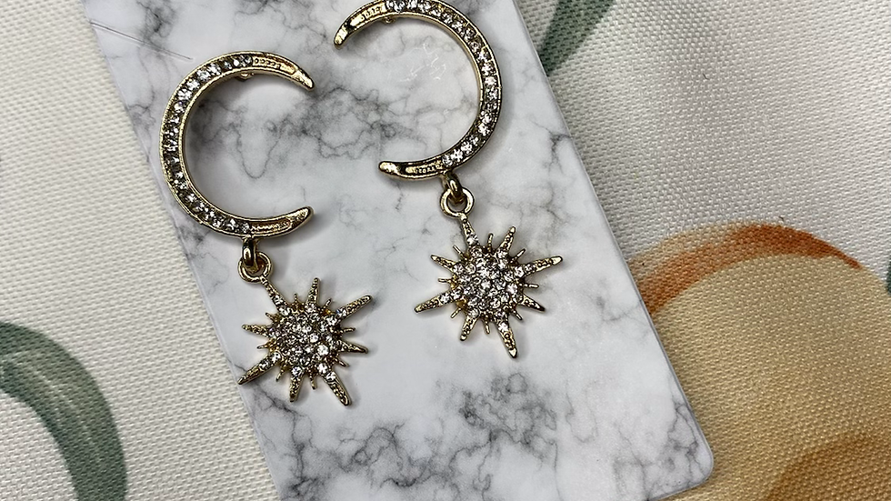Lapetus and star earrings