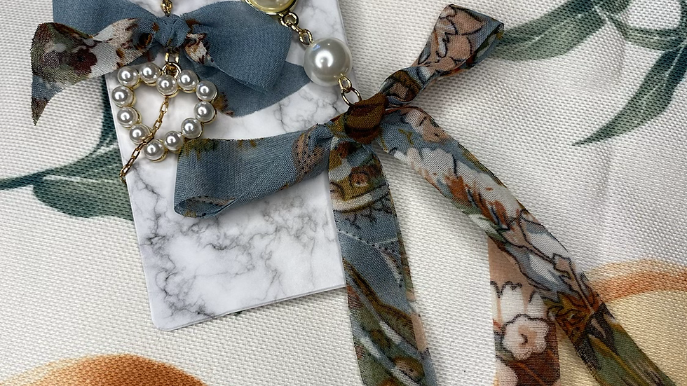 Blue Lace Bow Pearl
