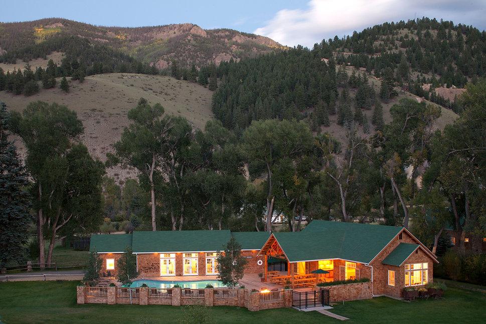 4UR Pool House.jpg