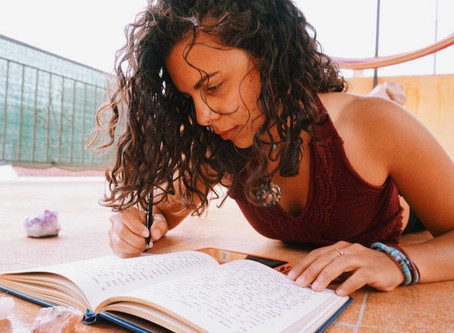 HOW JOURNALING GIVE US CLARITY & HOW TO START A JOURNALING PRACTICE