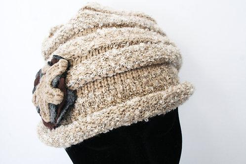 Bonnet en tricot camel chîné