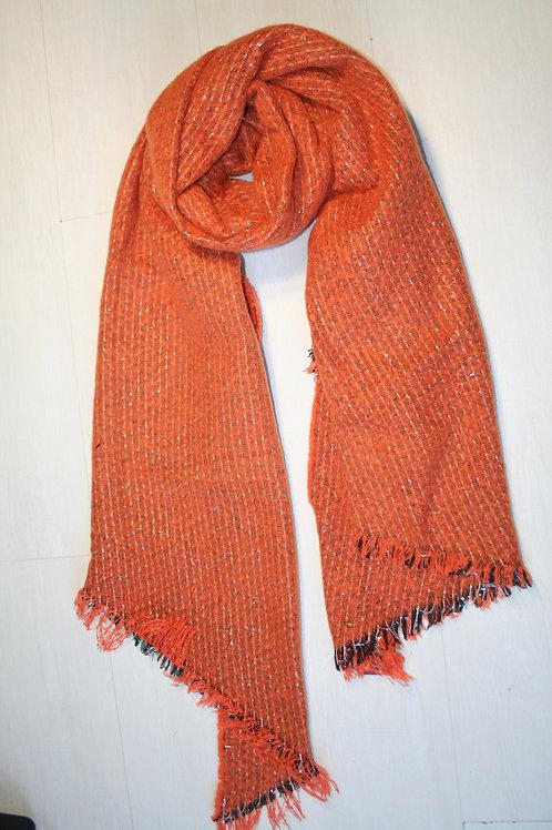 Echarpe épaisse en maille orange avec des fils argentés