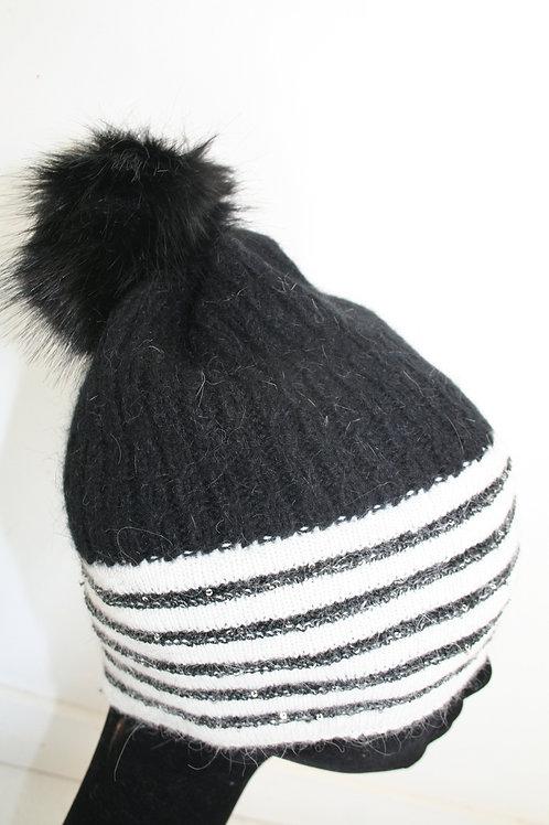 Bonnet en angora avec ponpon noir et blanc