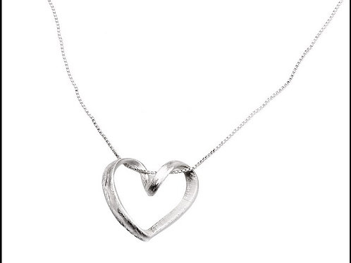 N10030 Brushed Heart Necklace