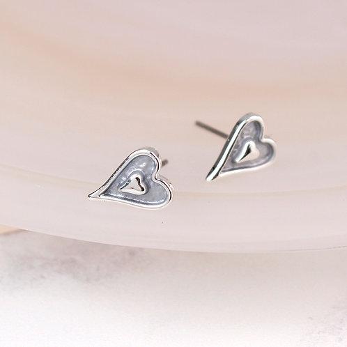 E21018 Enamel Heart Stud Earrings