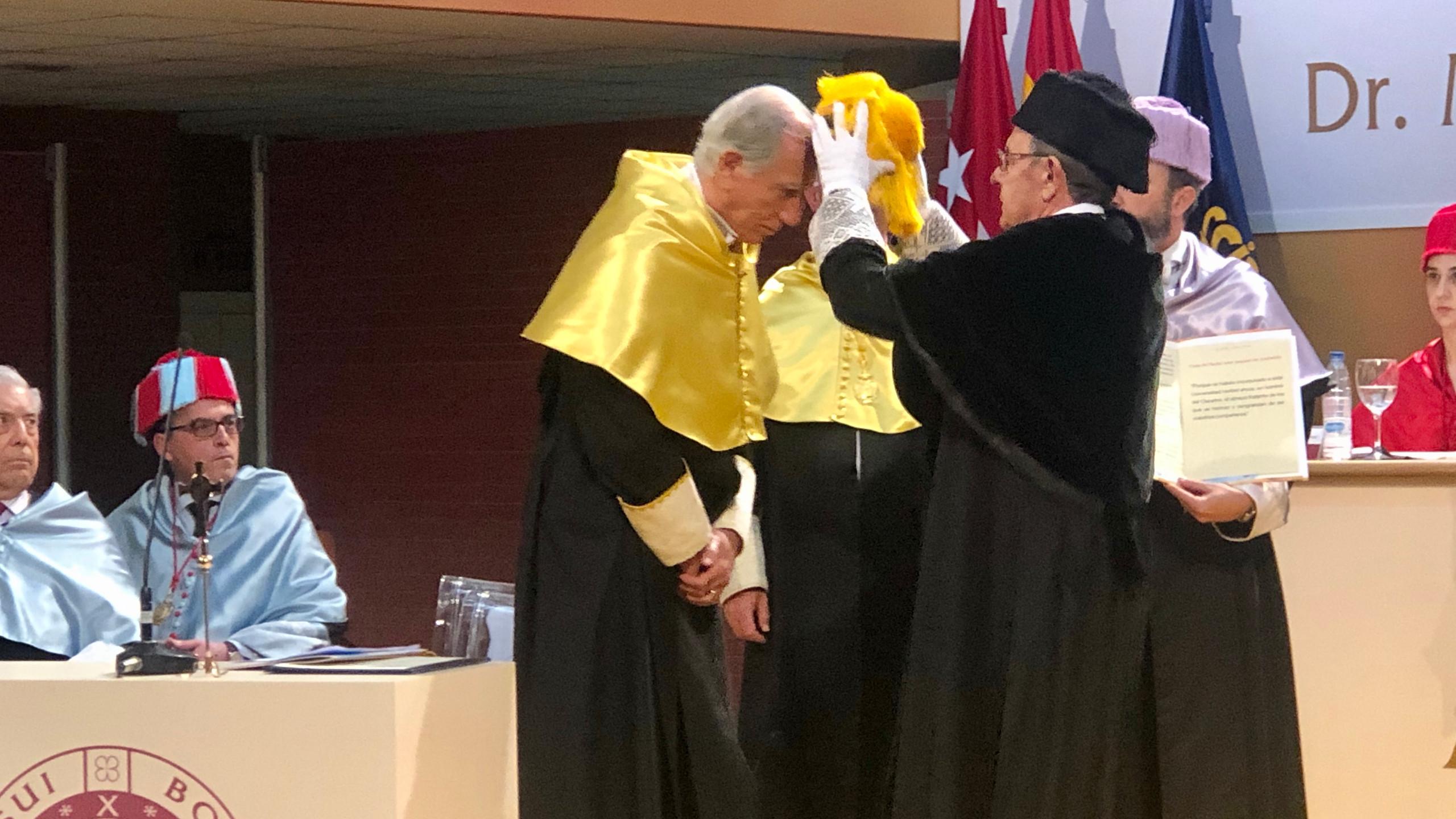 Enrique Moreno Doctor Honoris Causa