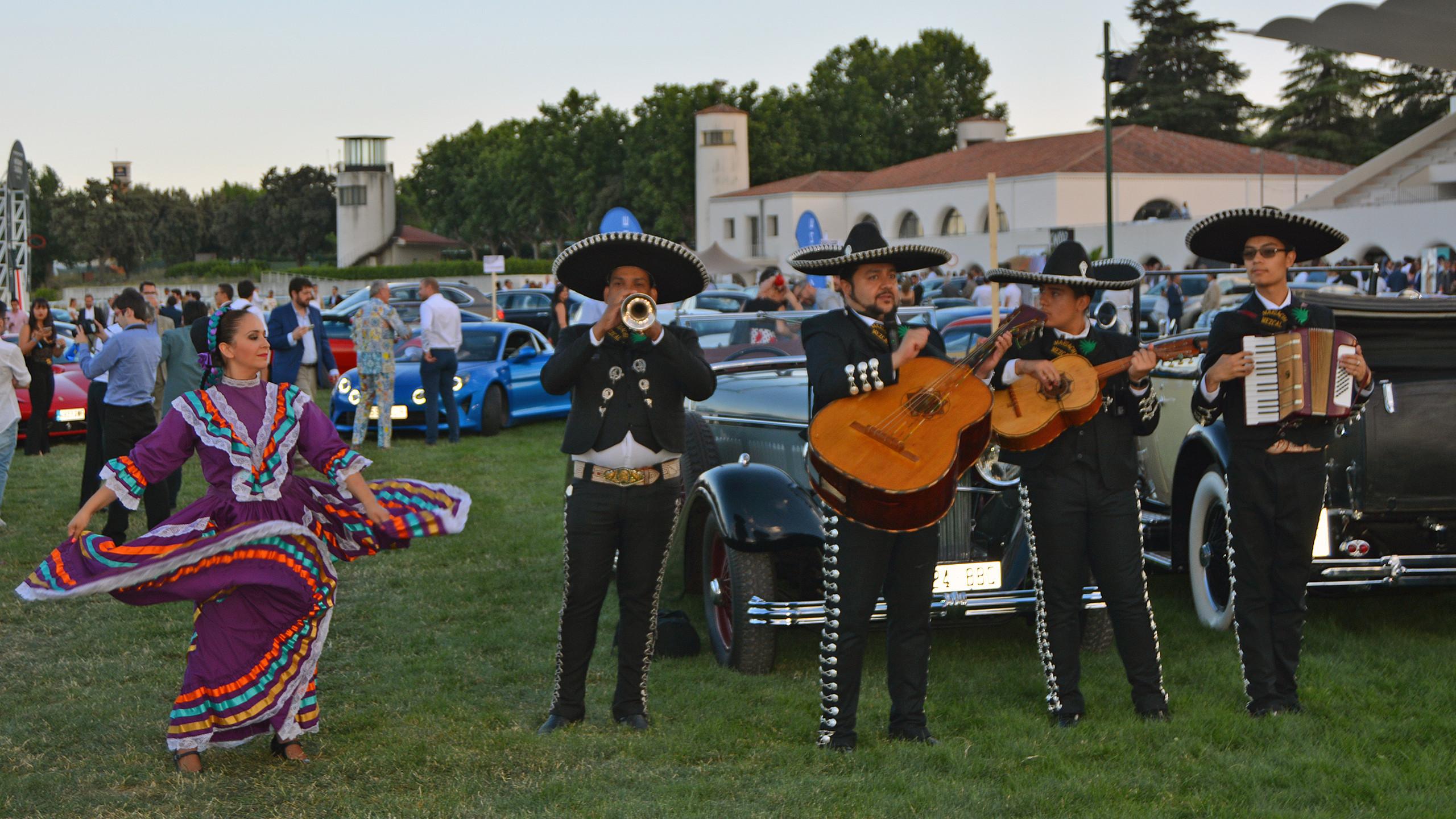 Los mariachis le dieron un toque más 'internacional' al evento.