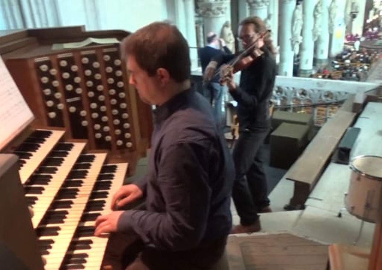 Adagio tijdens de offerande