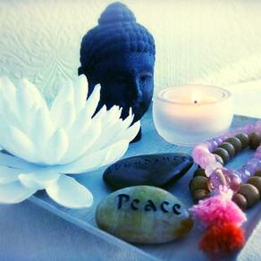 9 Super Useful Meditation Tools & Accessories