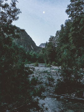 Camino al Lago Azul