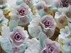 Mini-Rose Cupcakes