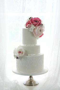Champagne floral cake