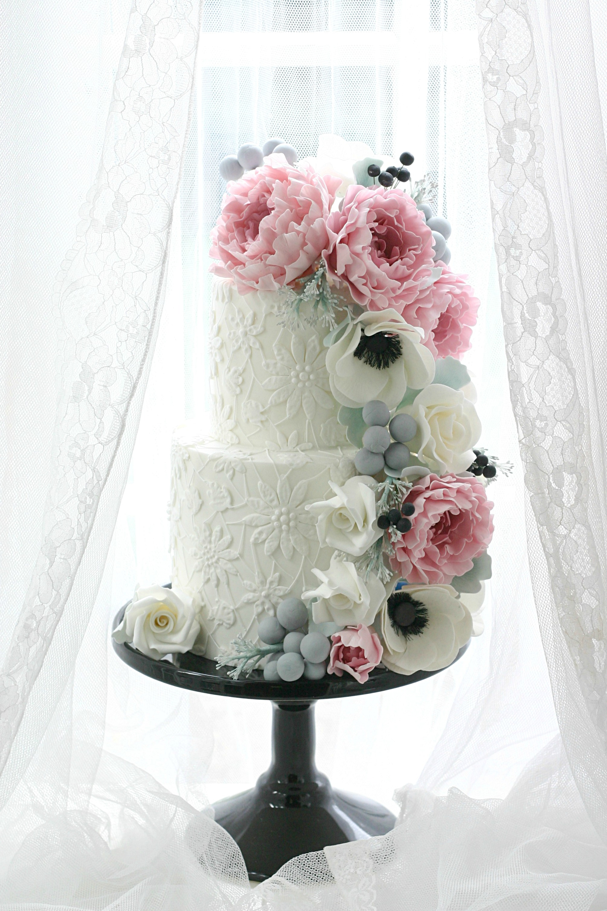 Floral Cascade with daisy lace