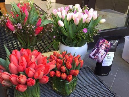 Blumen bringen die Sonne ins Haus und in die Gemüter.