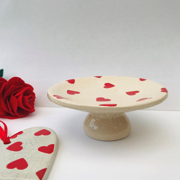 Small heart cake stand