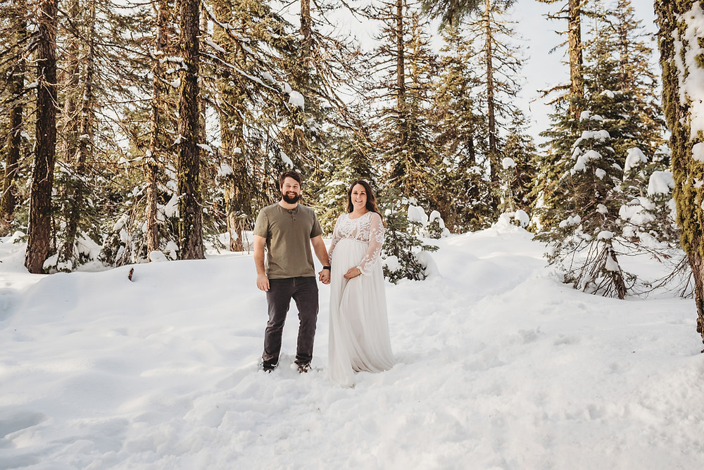 Mt. Ashland Maternity session Medford Oregon