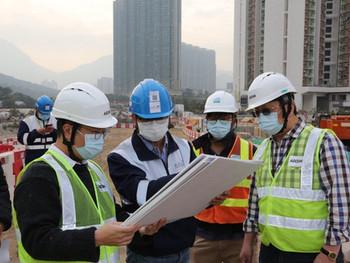到地盤視察填海工地情況 Site inspection of the latest situation of the Tung Chung East Reclamation Project