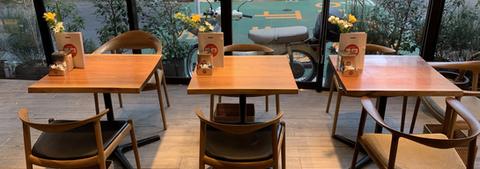 カフェパスクッチ西麻布テーブル席