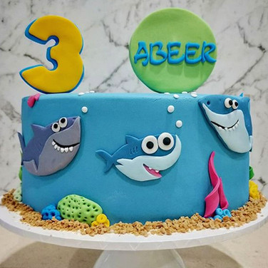 Baby Shark cake.jpg