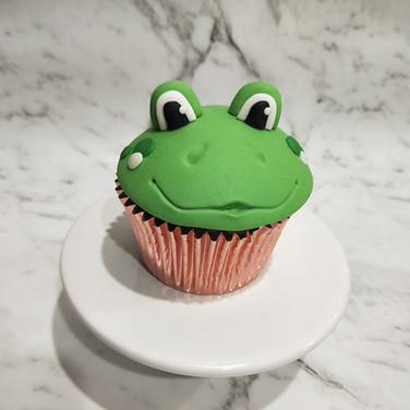 Frog cupcake Bumbleberry Bakes.jpg
