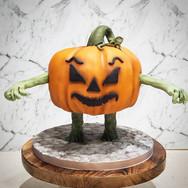 Halloween Cake Bumleberry Bakes.jpg