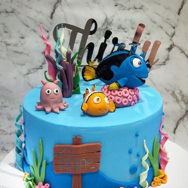 Dory Cake Bumbleberry Bakes.jpg