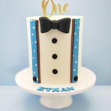 Tuxedo Cake.jpg