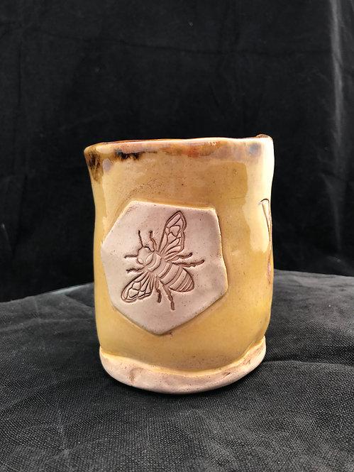 Bee Kind hand-warmer Mug