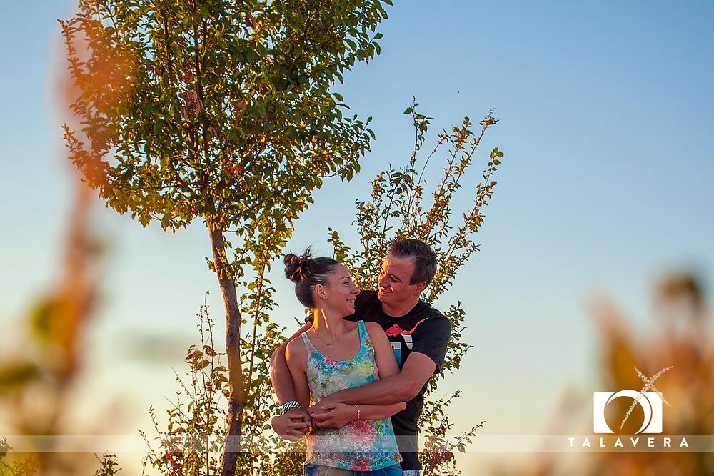 Ade+Adrián nos hemos escapado a nuestra campiña y hemos inmortalizado un momento en vuestras vidas. Gracias pareja.