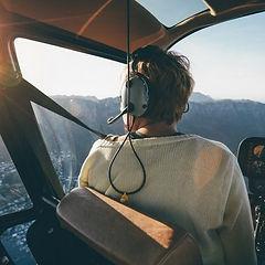 homem-pilotando-aviao.jpg