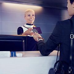 Finnair check in man 02 low.jpg