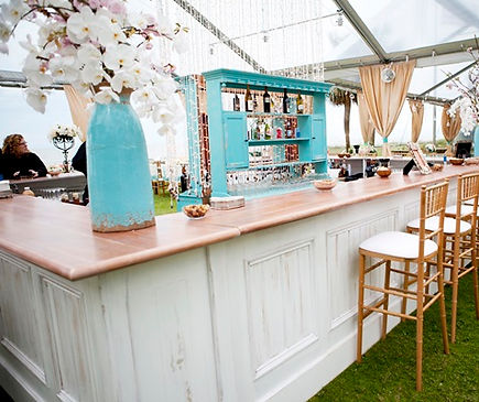 Tiffany-Blue-and-White-Outdoor-Reception