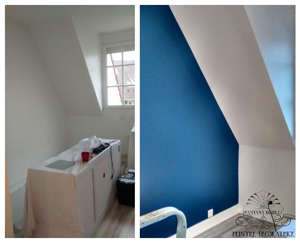 Un mur bleu pour moderniser une chambre
