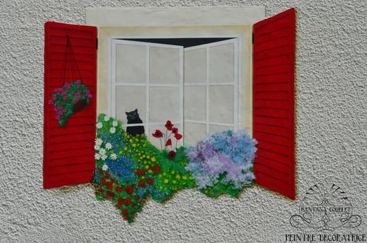 Fenêtre en trompe l'oeil sur facade exterieure