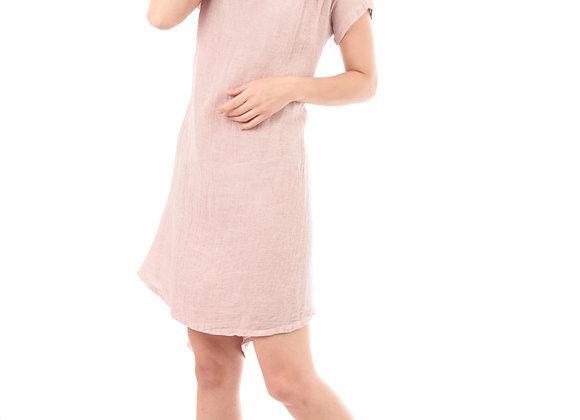 Robe, manches courtes, finitions revers, col V pointes libres, plis sur les côtés.