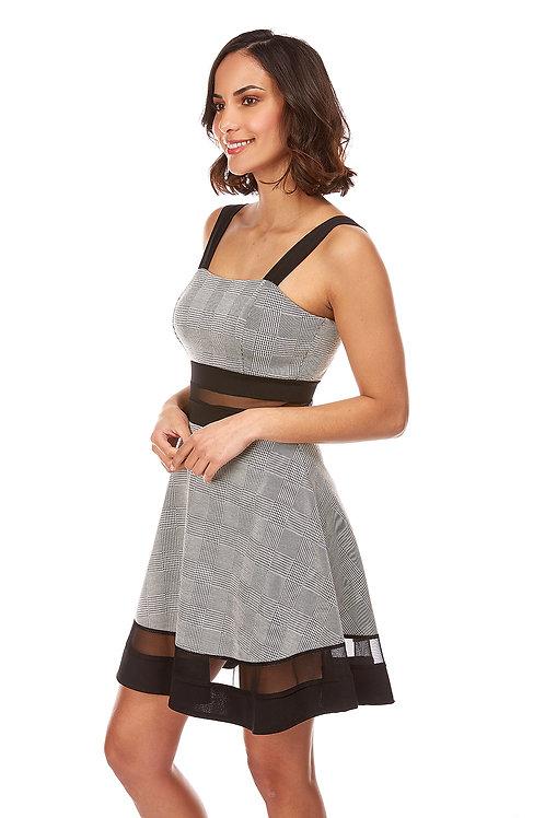 10Robe à manche bretelle, bande transparente à la taille et au bas de la robe, fermeture éclair dans le dos