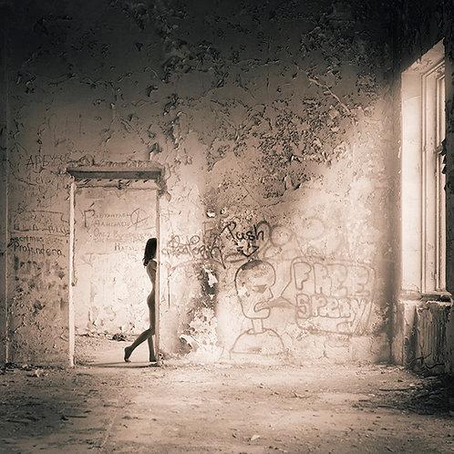 Nude in Ruins