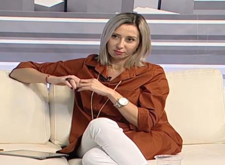 Συζήτηση με την Εύη Μιχωλού (Dion TV, 21-10-2019)