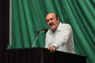 Carlos Joaquín detrás de ataques en redes sociales contra Roberto Erales; para eso utiliza impuestos