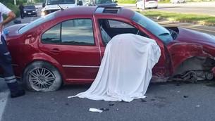 Fatal domingo en Punta Venado; conductor muere instantáneamente al volcar su auto