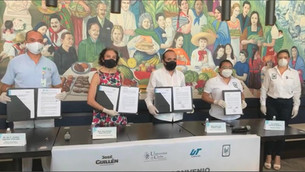 Recibe Unicaribe 180 mil pesos para estudiantes vulnerables; los aporta diputado local