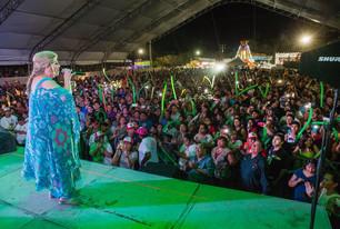 """Brillante cierre del cuarto día de Carnaval con """"la Diosa de la Cumbia""""."""