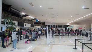 Línea VivaAerobus irresponsable; 20 horas varados a pasajeros bajo mentiras