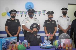Logra la Policía sueño de pequeñito en su cumple año