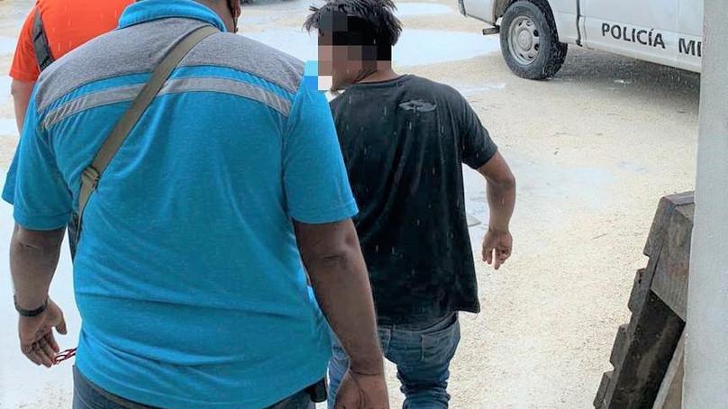 Atrapa la Policía a agresor yucateco de una joven; taxistas le dieron su merecido